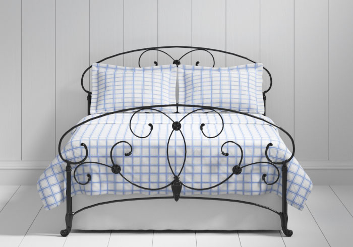 Arigna iron bed in black