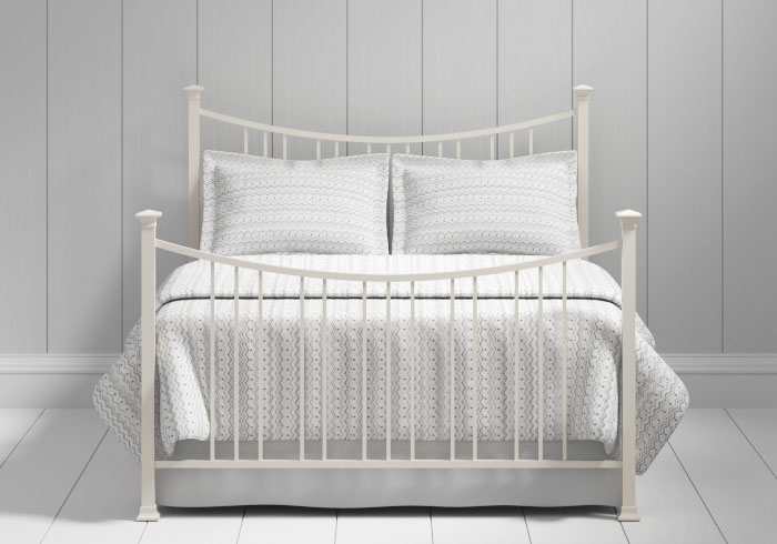 Emyvale iron bed in ivory