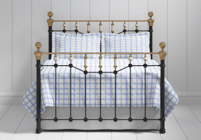 Glenshee iron bed in black with brass