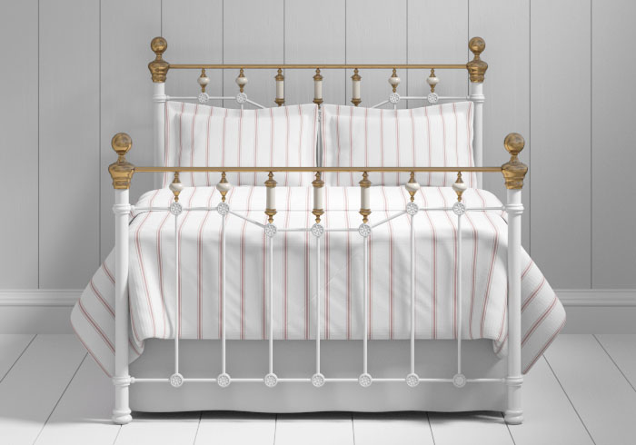 Glenshee iron bed in white with brass