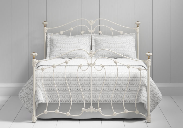 Lisburn iron bed in ivory