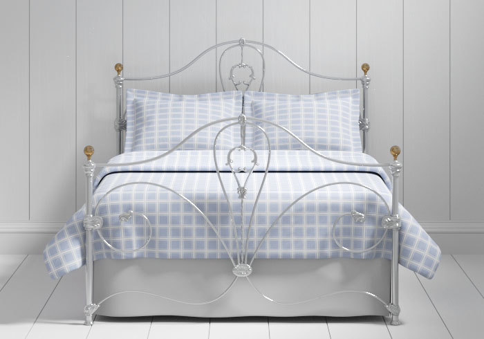Melrose iron bed in silver with brass