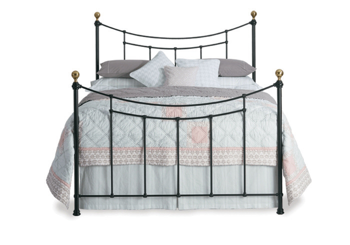 Virginia iron bed in sati