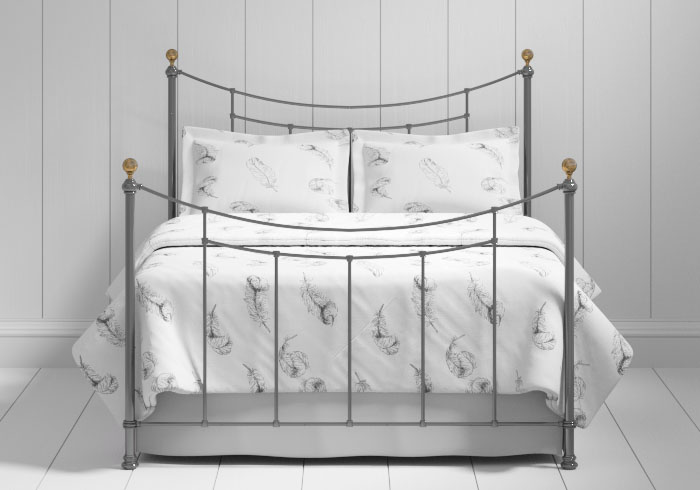 Virginia iron bed in pewter with brass