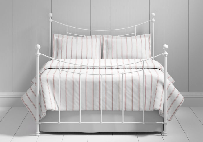 Winchester iron bed in white