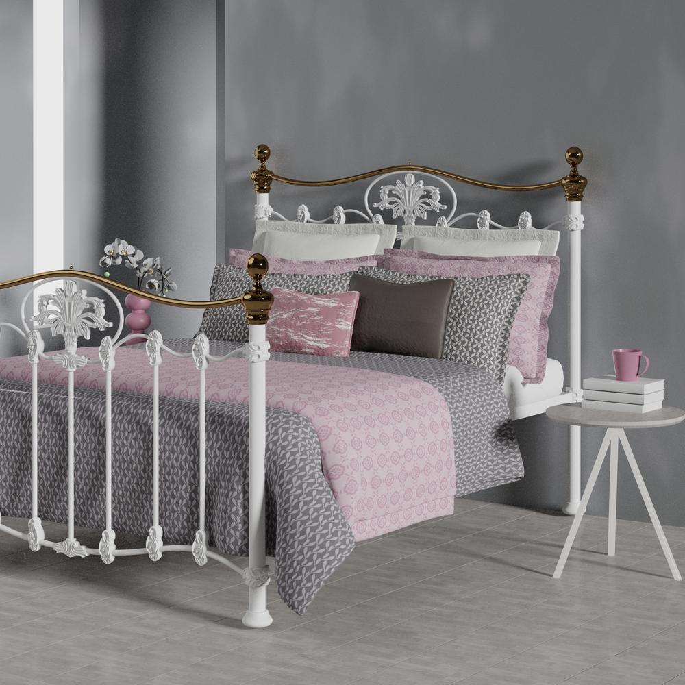 camolin iron bed